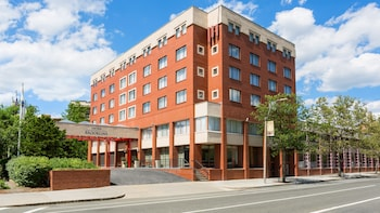 15 Closest Hotels to Coolidge Corner Station in Brookline