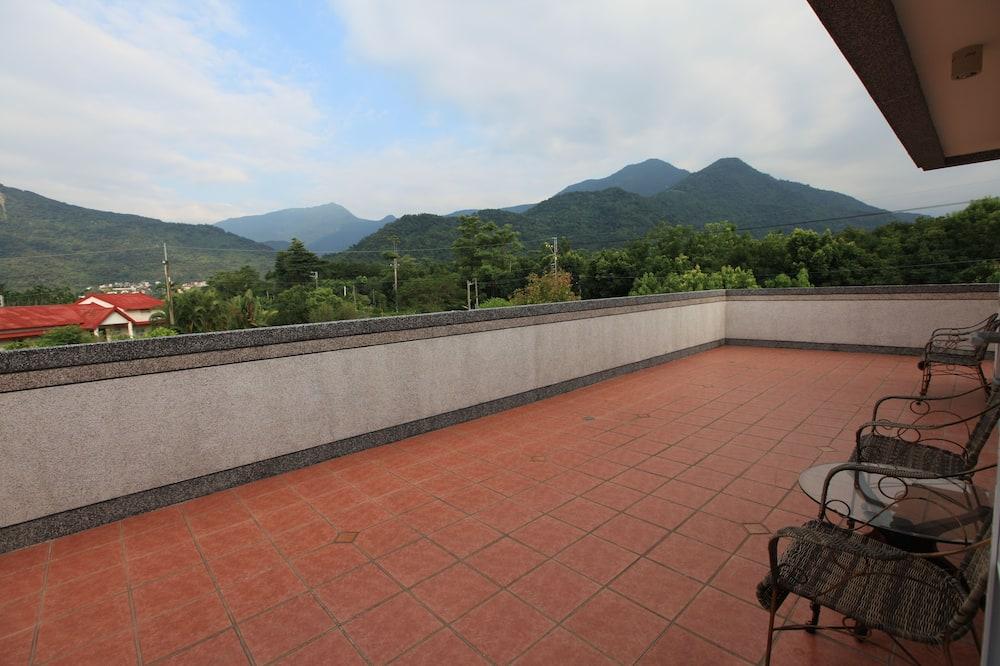 Habitación doble panorámica, 1 cama Queen size, para no fumadores, vista a la montaña - Balcón