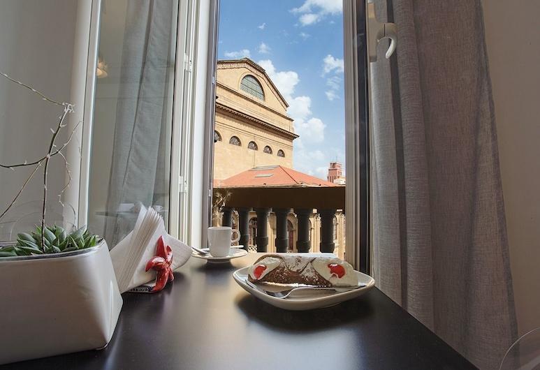 All'ombra del Massimo, Palerme, Chambre Double Deluxe, 1 grand lit, non-fumeurs (La Favorita), Vue depuis le balcon