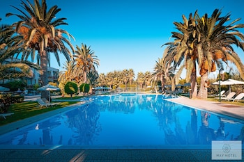 Picture of May Beach Hotel in Rethymno