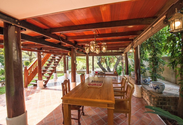 Phuttal Residence, Ayutthaya, Traditional Thai House River View, Svetainės zona