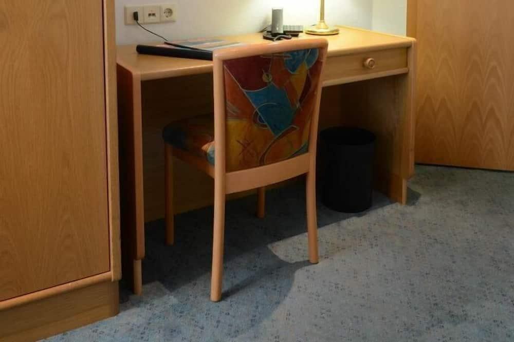 Basic Single Room - Living Area