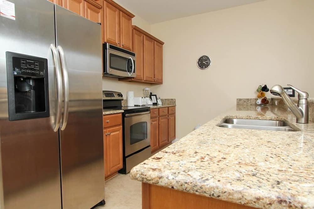 Family Townhome, Private Pool, Garden Area - Shared kitchen