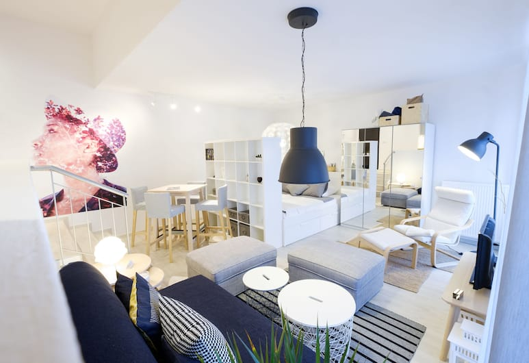 APLEND CITY Apartments Bastova, Bratislava, Studio Classic - 1 dubbelsäng med bäddsoffa, Rum