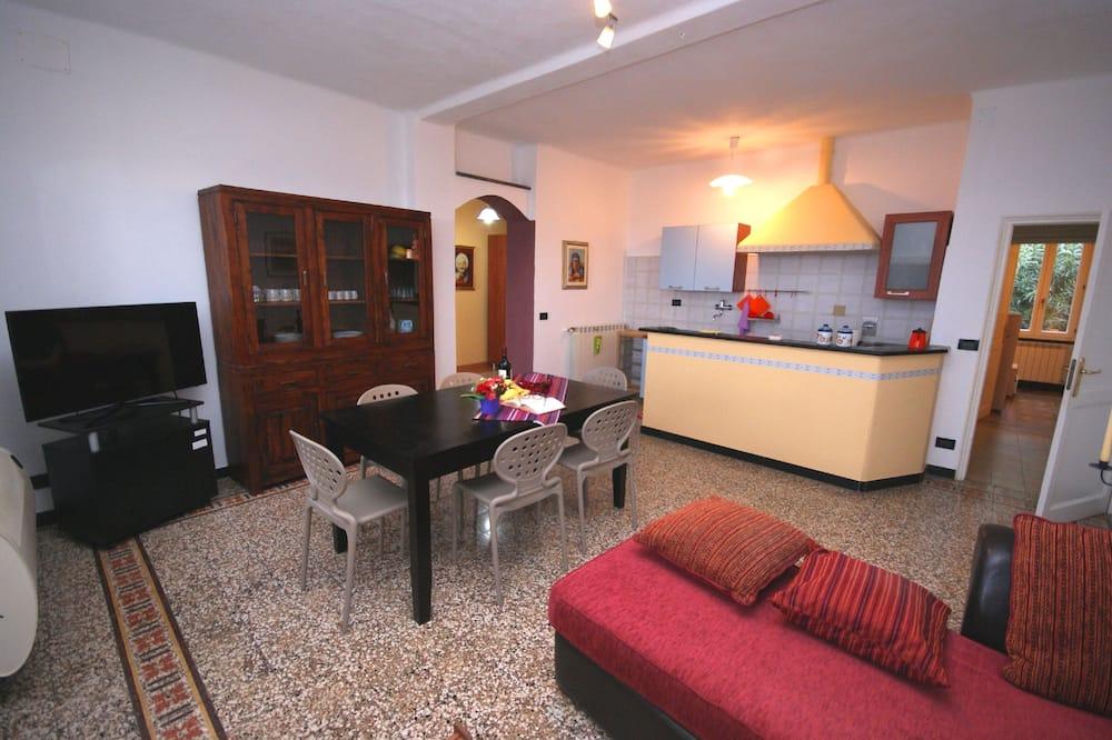 Külaliskorter, 3 magamistoaga, terrass - Elutuba