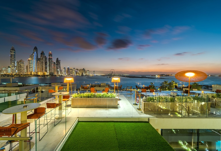 Platinium Holiday Home at Five Residences Palm Jumeirah Dubai, Dubai, Bar