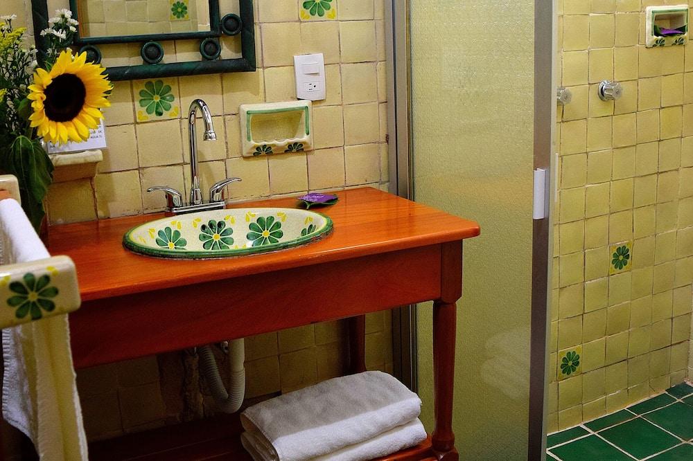 デザイン ルーム キングベッド 1 台 禁煙 - バスルーム