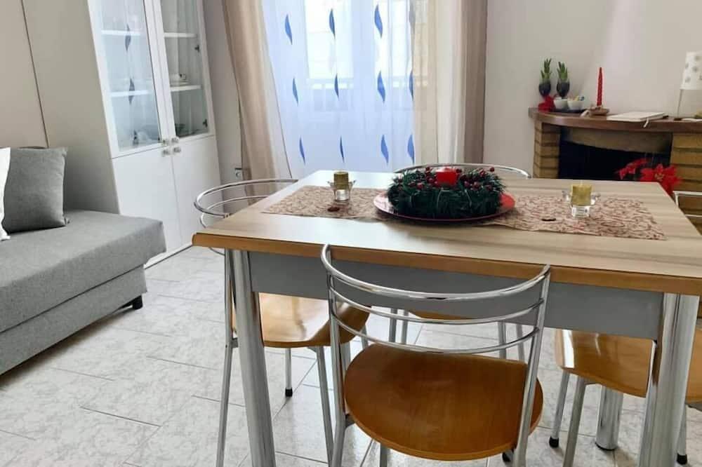 Perhehuoneisto, 1 makuuhuone (2° Floor) - Oleskelualue