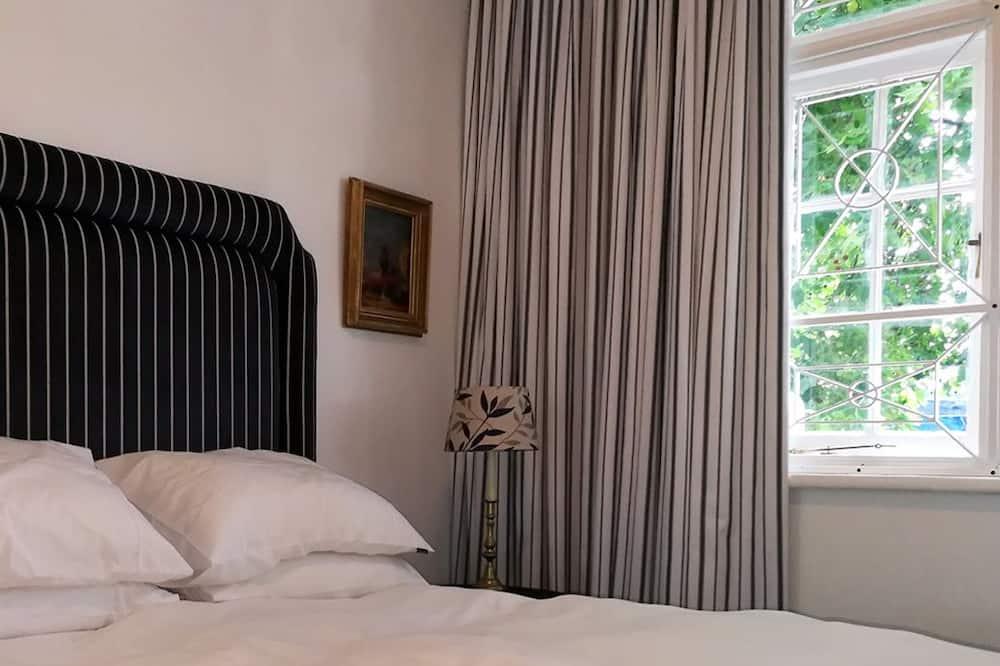 Nhà tiện nghi đơn giản, 4 phòng ngủ - Phòng