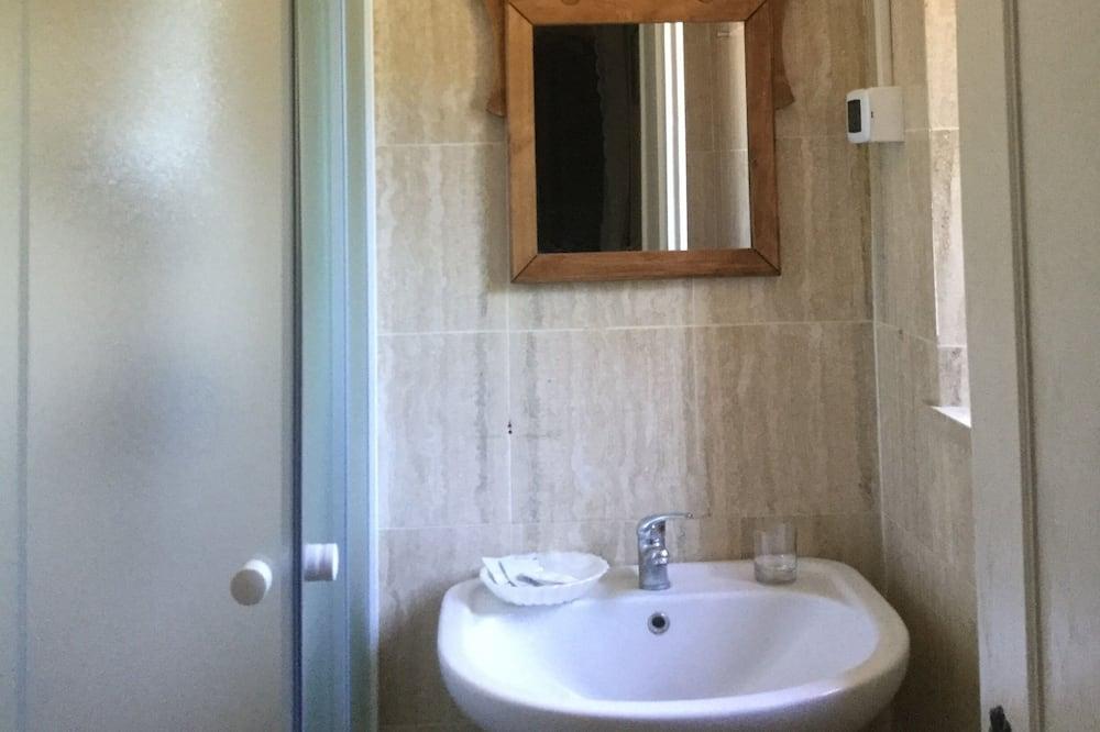Classic-Doppelzimmer - Badezimmer