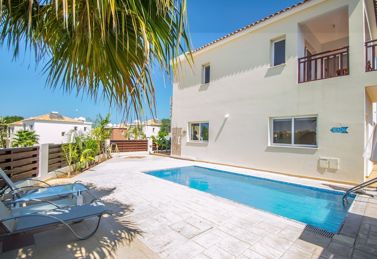Pernera Beach Three Bedroom Villa, Protaras