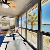 Riverfront 3br W/ Screened Porch 3 Bedroom Condo, Folly Beach
