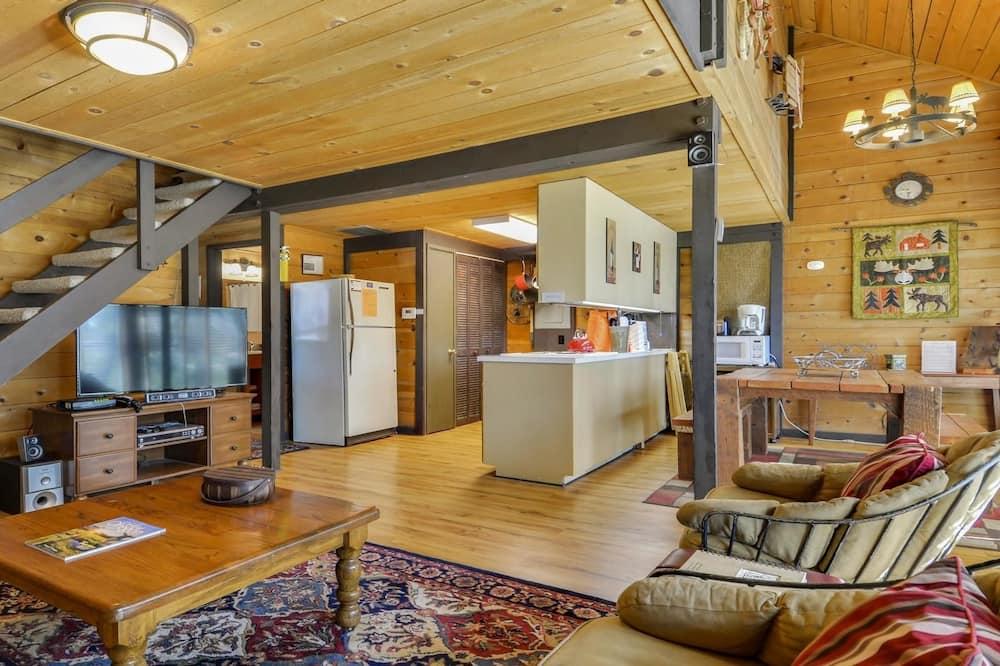Сімейний мансардний номер, 3 спальні, камін (Free SHARC Pass, Lift Ticket Discount) - Житлова площа