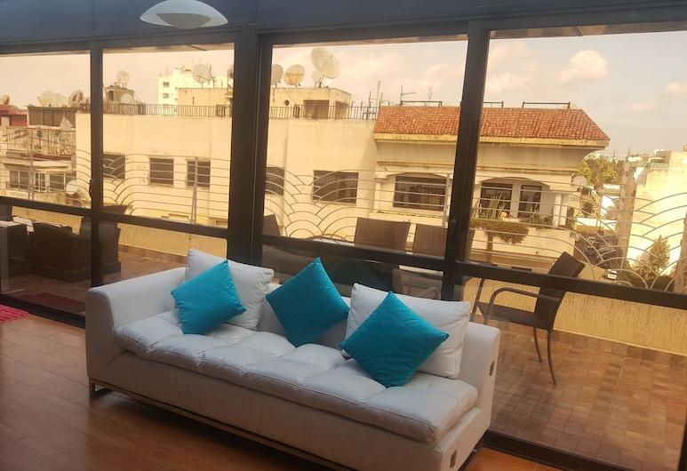 2 Mars Luxury Residence, Casablanca, Departamento Deluxe, para fumadores, Sala de estar