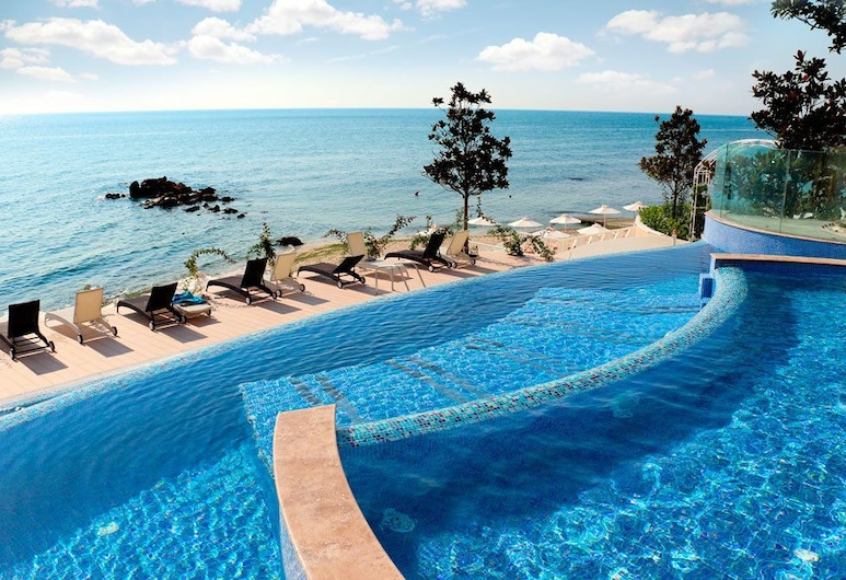 Apart Complex La Mer Residence, Varna, Außenpool