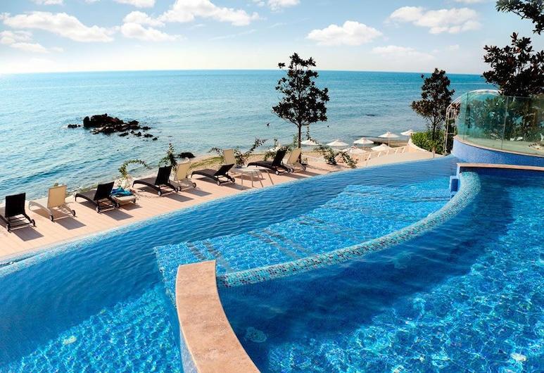 Apart Complex La Mer Residence, Varna, Piscina all'aperto