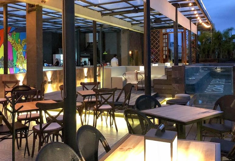 Fun & Suites by Casa Pepe, Mexico City, Hotel Bar