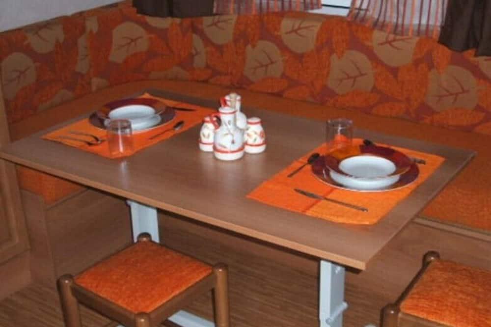 Casa rodante - Servicio de comidas en la habitación