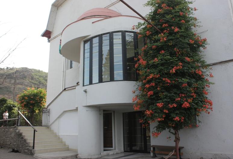 Rose Hotel, Tbilisi, Exterior