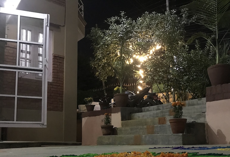 Hidden Leaf Bed and Breakfast, Lalitpur, Hotel Front – Evening/Night