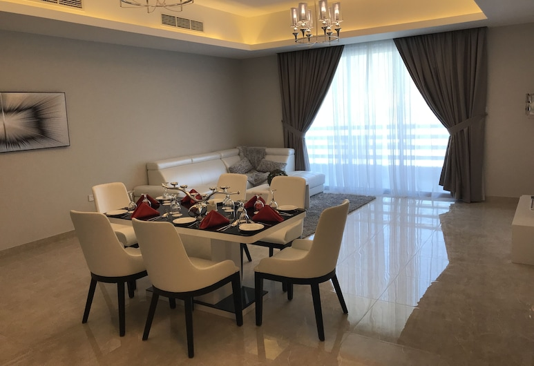 Al Manzil Residence Hidd 2, Muharraq, Standard Suite, 2 Bedrooms, City View, Living Area