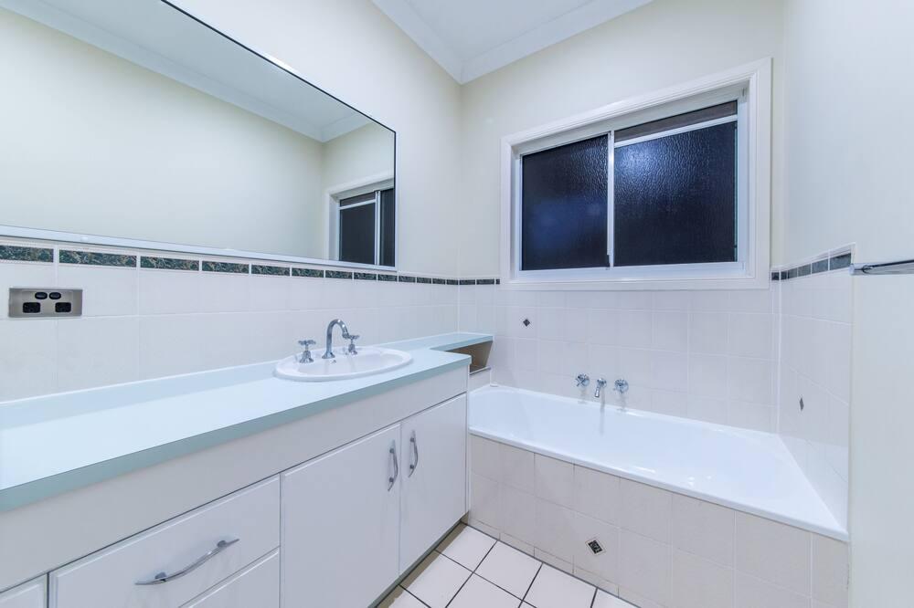 Будинок, для некурців - Ванна кімната