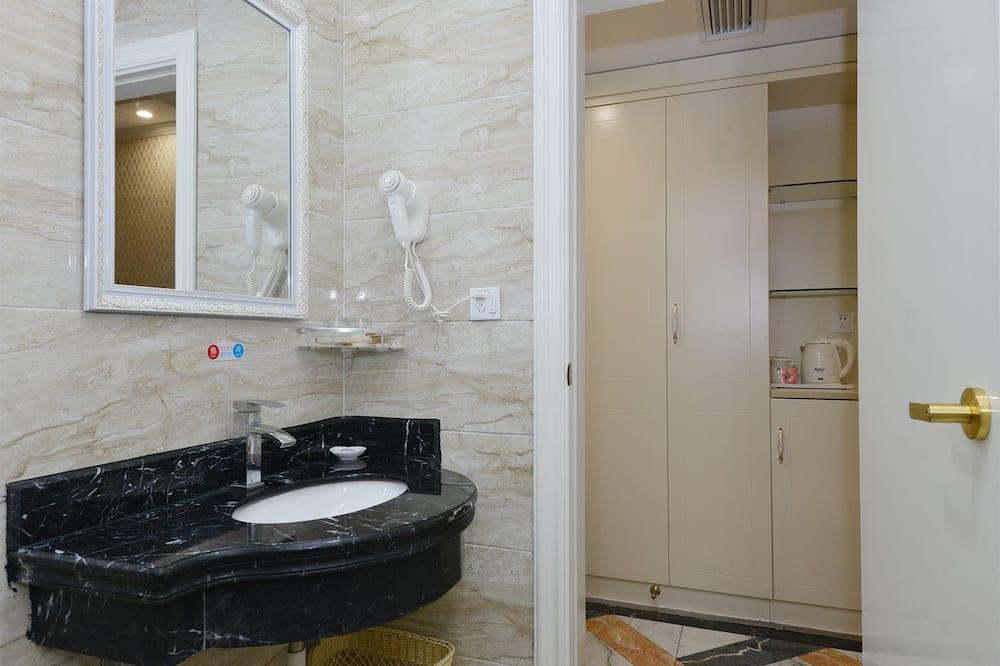 Deluxe tweepersoonskamer, 1 kingsize bed, Toegankelijk voor mindervaliden, niet-roken - Badkamer
