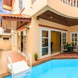 4 Bedrooms Villa with Private Pool - Privatpool