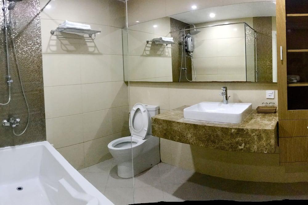 King Room - Bathroom