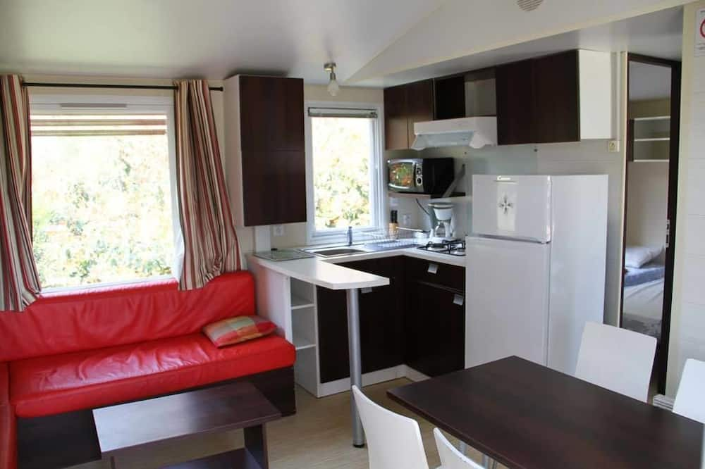 Mobile Home, 2 Bedrooms - Living Area