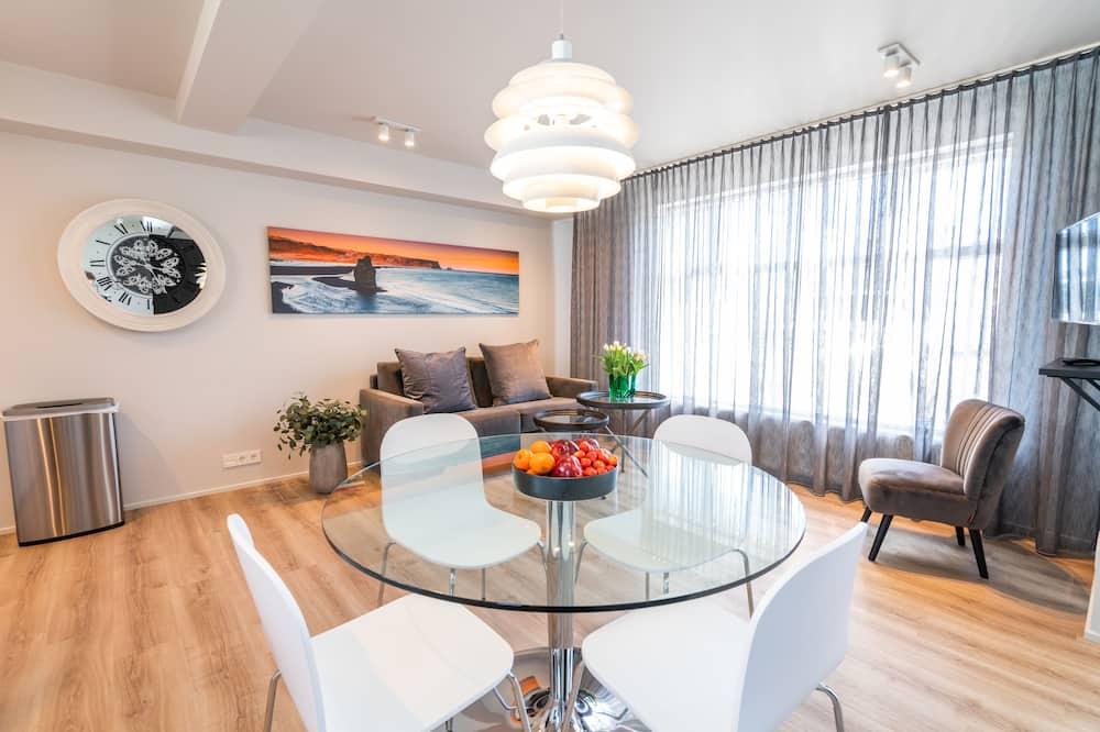 Huoneisto, 1 makuuhuone (Black Beach Suites) - Ruokailu omassa huoneessa