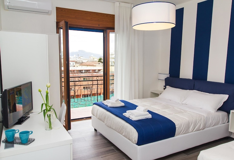 Sea Room Sorrento, Sorrento, Habitación triple, balcón, vista al mar, Balcón