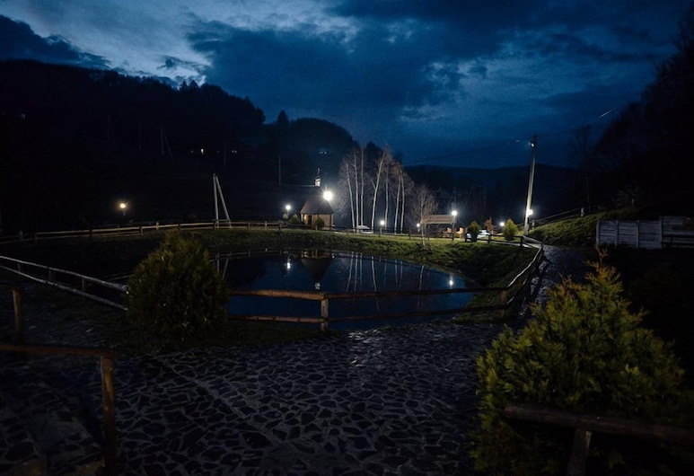 Monastic-SPA, Oriv, Jezero