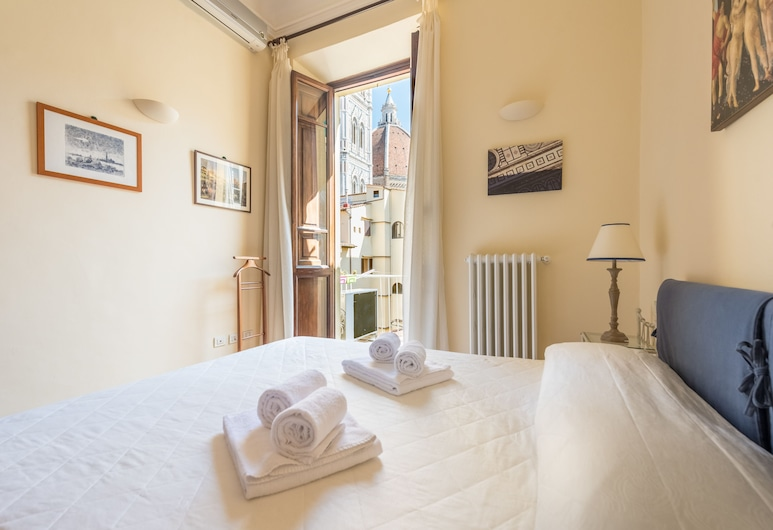 Charming 2bed Apt Overlooking Duomo, Florence
