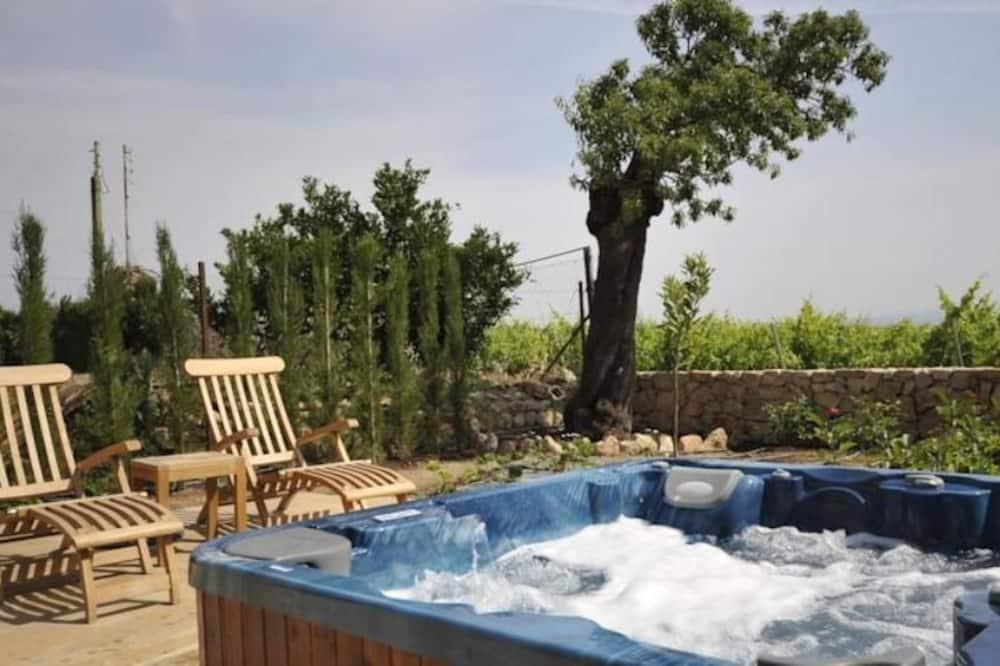 Massaaživann vabas õhus