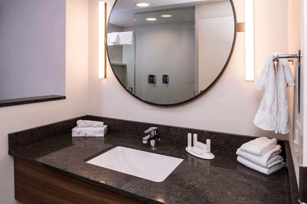 Apartament typu Suite, Łóżko king - Łazienka
