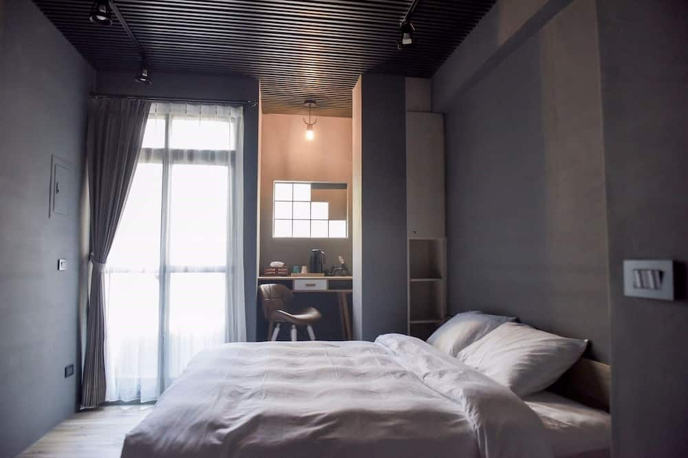 Senior Double Room, 1 Queen Bed - Guest Room