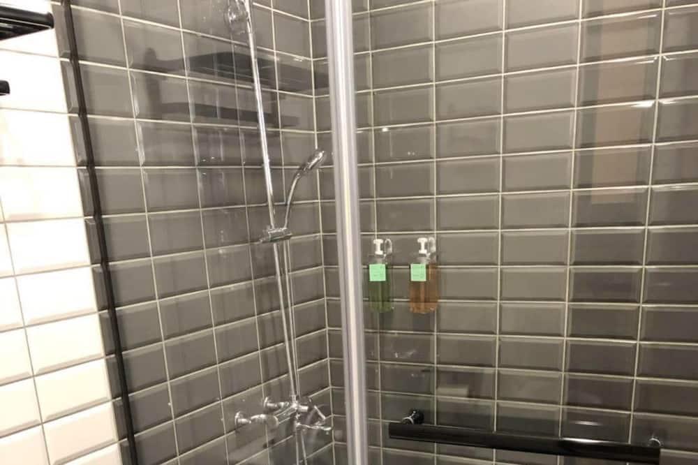 Honeymoon Double Room, 1 Queen Bed - Bathroom