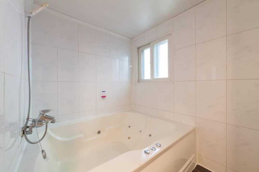 Suite (PC, Parking:contact the property) - Bathroom