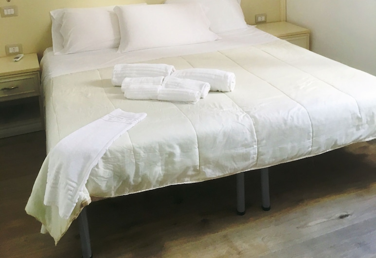 AFFITTA CAMERE DEI MILLE, Cagliari, Classic-Doppel- oder -Zweibettzimmer, Zimmer