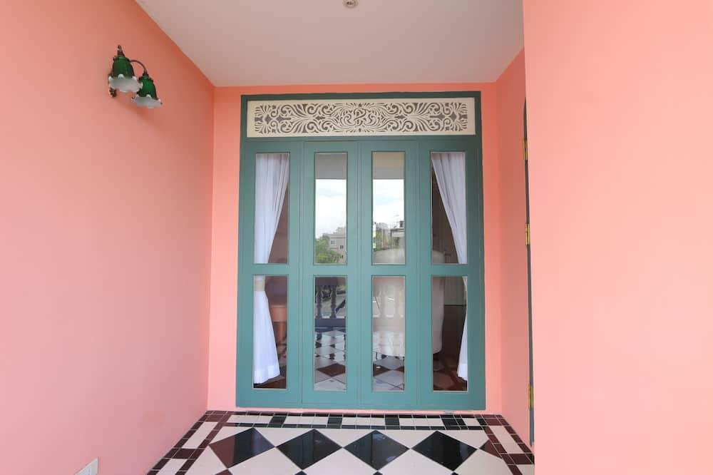 Deluxe Room (Double Bed) - Balkon