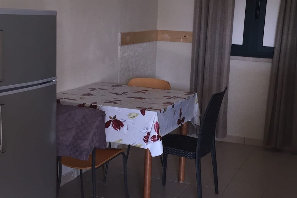 Basic Apartment, Accessible - In-Room Dining