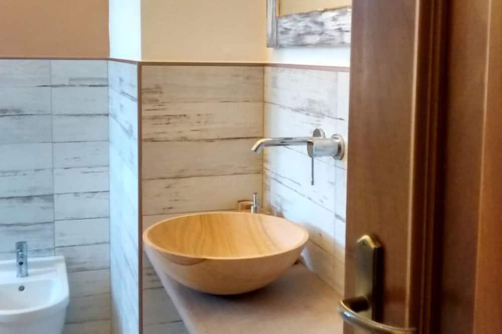 ダブルルーム 専用バスルーム (External) - バスルーム
