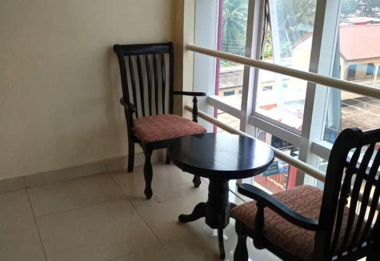 Mansah Memorial Villa, Accra, Deluxe Apartment, 1 Bedroom, Living Area