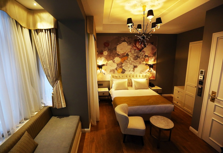 Royal Tophane, Istanbul, Deluxe Double Room, 1 Double Bed, Non Smoking, City View, Guest Room