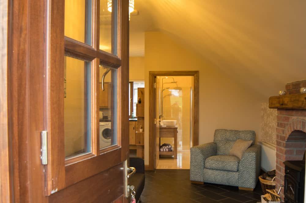 Căn hộ tiện nghi đơn giản, 1 giường đôi và sofa giường, Không hút thuốc, Quang cảnh núi - Khu phòng khách