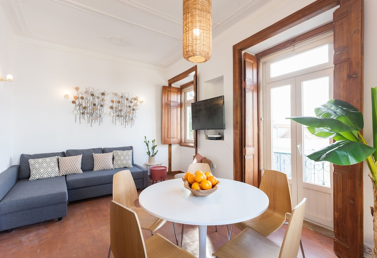Rossio Vintage Two-Bedroom Apartment - by LU Holidays, Lisabon