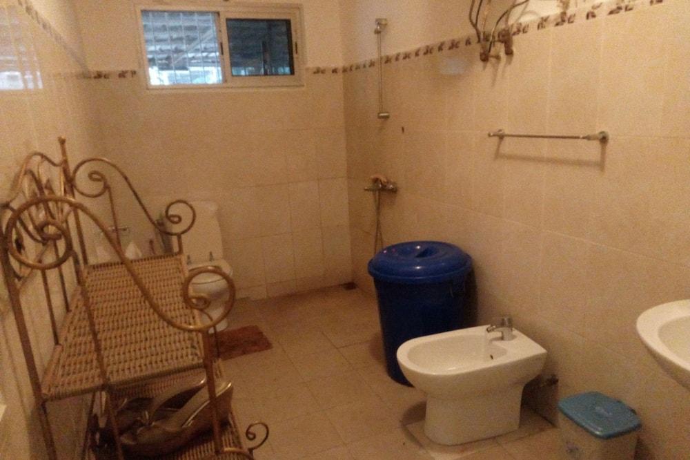 Phòng Junior - Phòng tắm
