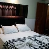 Háromágyas szoba, 3 egyszemélyes ágy - Fürdőszoba