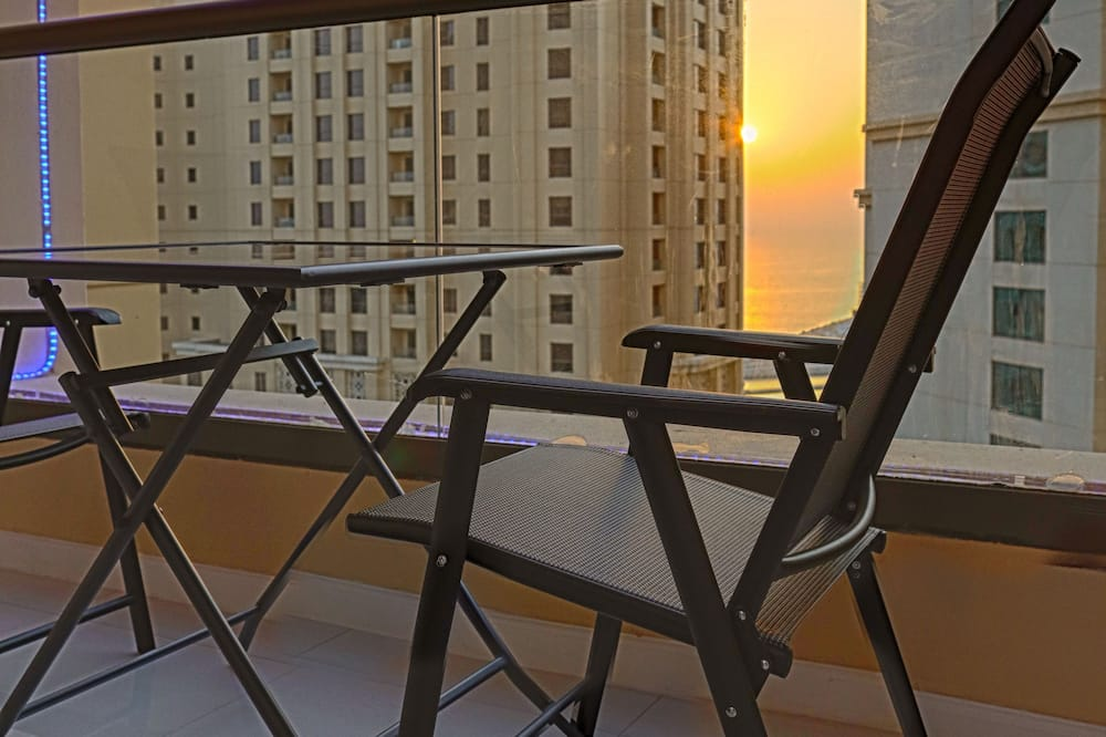 Luxury Apartment, 2 Bedrooms, Accessible, Partial Sea View - Balcony